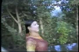 Hindi laraki ki chudai with crying