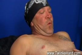 नवेली vikky नकदी के लिए स्वैप में उसके कमरे में drilled