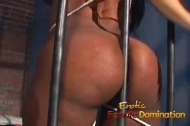 Aarchi boobs image