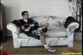 क्रिमसन-गर्म काले haicrimson खराब कर दिया है और बिस्तर पर cummed