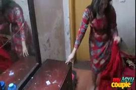 Www xnxx hindi ldki aenimal sex